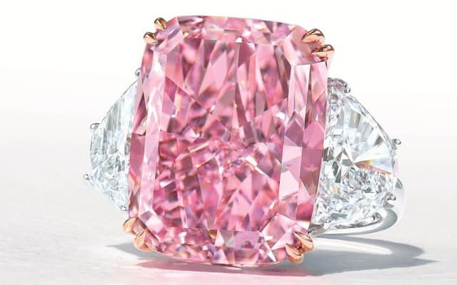 THE SAKURA DIAMOND - KIM CƯƠNG HỒNG CỰC HIẾM