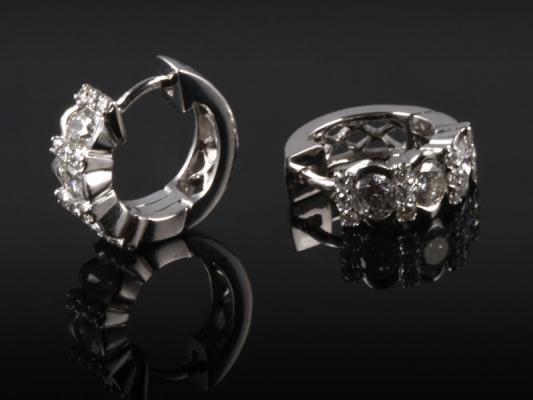 Hoa tai Kim cương thiên nhiên HK  368