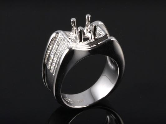 Ổ Nhẫn kim cương thiên nhiên NK 679