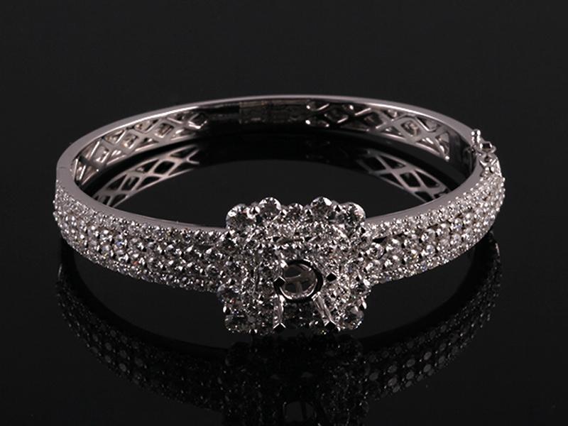 Vòng tay Kim cương thiên nhiên V79 1