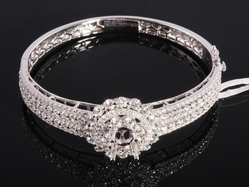 Vòng tay Kim cương thiên nhiên VK 282