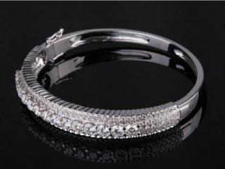 Vòng tay Kim cương thiên nhiên V 461