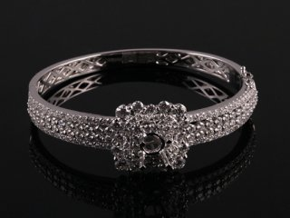 Vòng tay Kim cương thiên nhiên V79